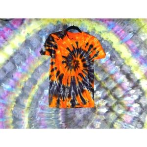 Small hanes orange/black tie dye tshirt